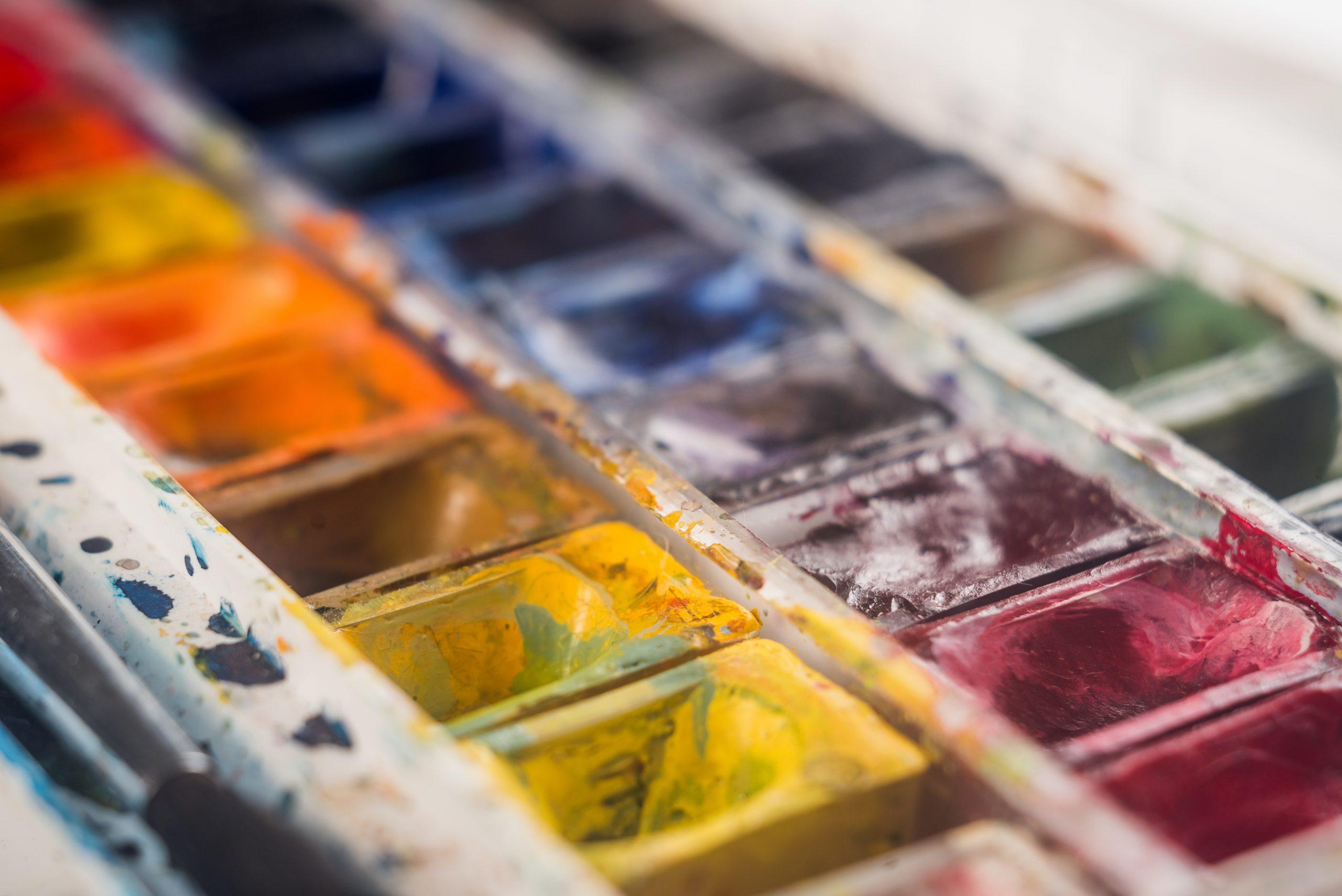 Olika färger som används till att måla